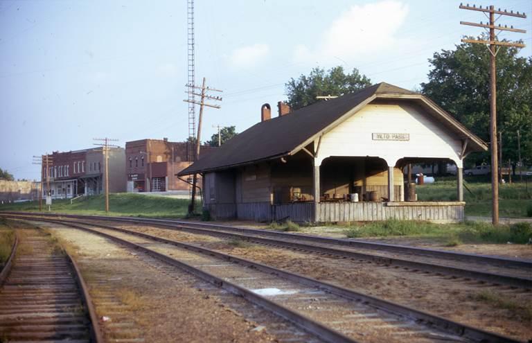 04 - Alto Pass Depot