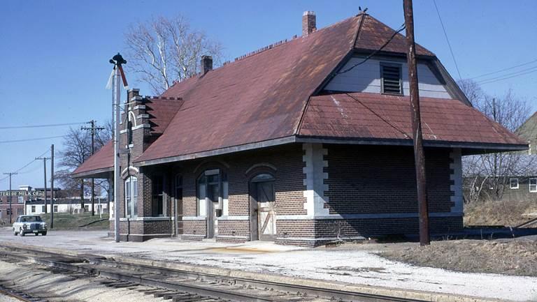 13 - Waterloo Depot
